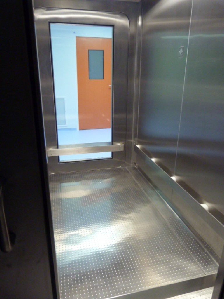 Cleanroom Decontamination Chamber Moduclean